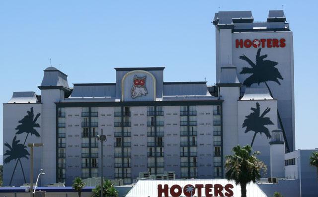 hooters casino rewards club